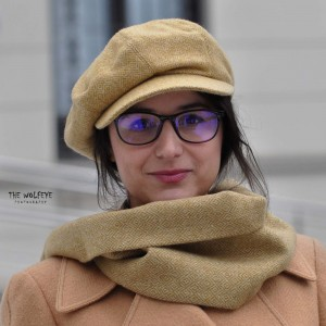 Set Sapca Dama Model Gavroche Cu Fular Galben